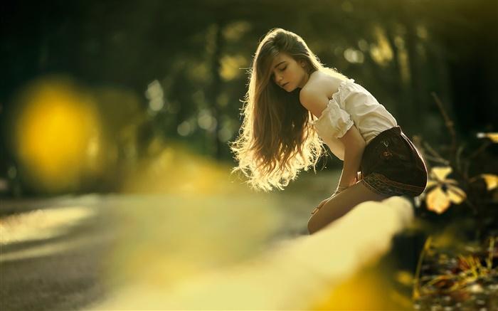 Cabelos longos jovem garota, sol, bokeh HD Papéis de